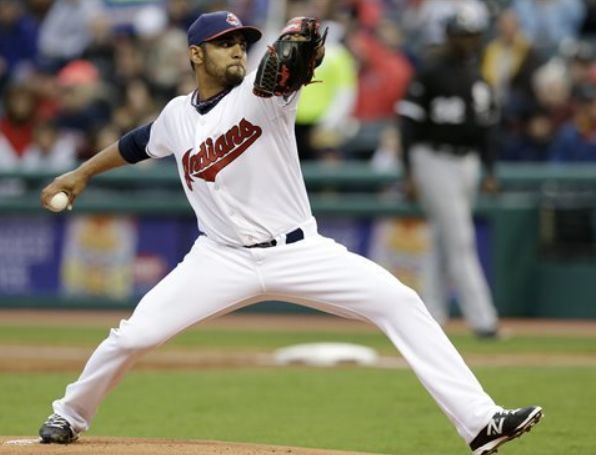 Tribe Outslugs Sox and Sloppy Defense; Indians 12, White Sox 5