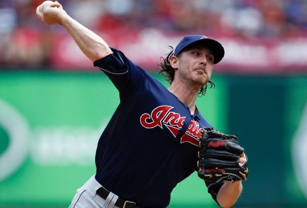 Tomlin, Homers Push Tribe Past Texas; Indians 8, Rangers 3