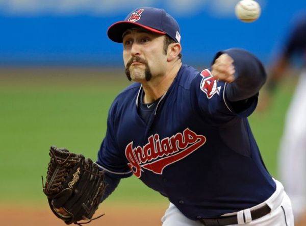 Santana Slam Helps House Clean Sweep Minnesota; Indians 2, Twins 0