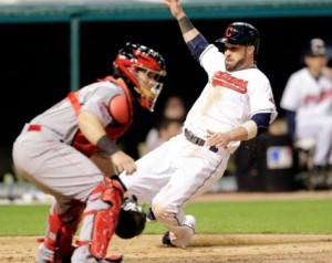 Moss Keeps Tribe Streaking to 4th Straight Win; Indians 7, Reds 3