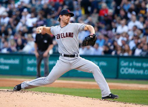 Tribe, Tomlin Take Wind Out of Sale; Indians 6, White Sox 2