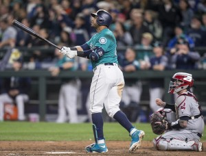 Cruz Deals Tribe a Rare Defeat with Walk-Off Blast in Ninth; Mariners 3, Indians 1