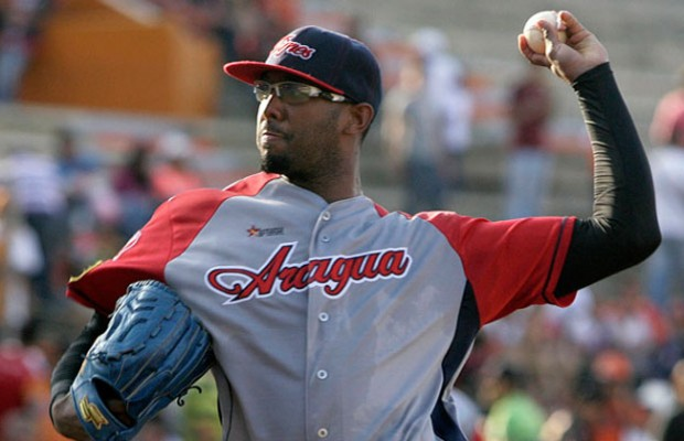Indians Sign Zarate to Minors Deal, Invite Seven More to Spring Training