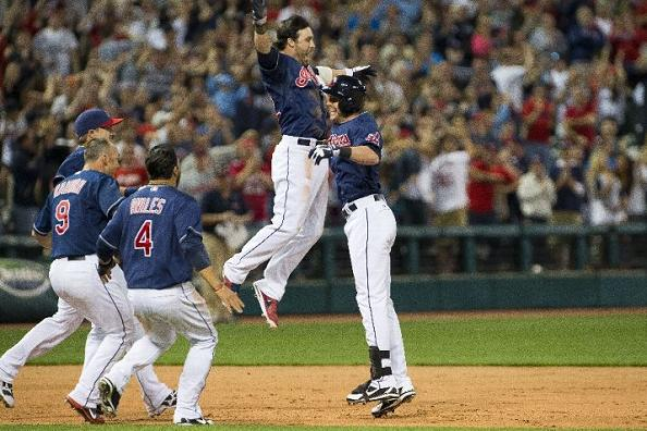 Clutch Hit by Stubbs Walks Cleveland Off in Extras; Indians 7, Twins 6