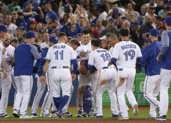 Toronto Takes Series on Bases Loaded Walk-off Single in Ninth; Blue Jays 8, Indians 7