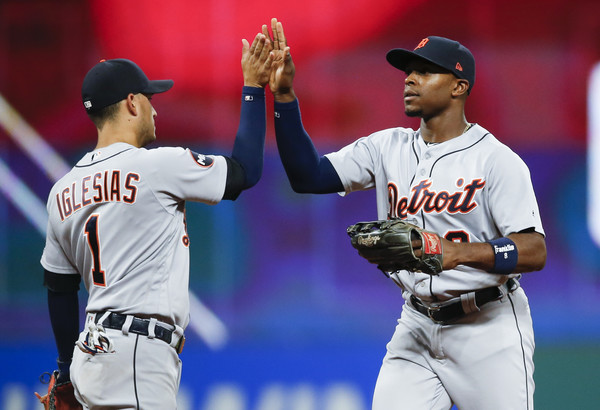 Tigers Take First Half Finale From Tribe; Tigers 5, Indians 3