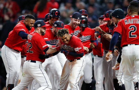 Jose Plays the Hero with Walk-off Blast in Ninth; Indians 5, White Sox 3