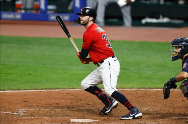 Late Rally Off of Romo Pushes Tribe Past Twins; Indians 6, Twins 3
