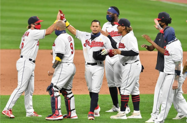 Hernandez the Hero as Tribe Walks Off Against Brewers; Indians 4, Brewers 3