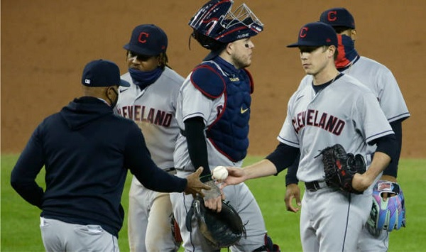 Tribe Gives Away Win as Tigers Tag Bullpen in Eighth; Tigers 5, Indians 2