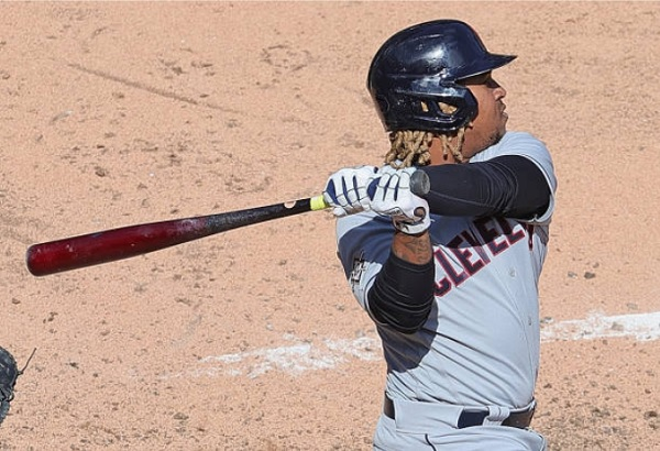 Ramirez's Homer, Late Insurance Runs Give Tribe Split in Chi-Town; CLE 4, CWS 2