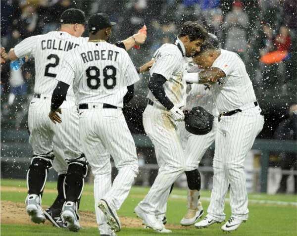 Sox Capitalize on Chang Error, Earn Weird Walk Off Win Over Tribe; CWS 4, CLE 3