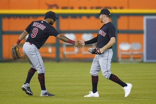 Luplow's Bases Loaded Catch in Ninth Saves Tribe; CLE 6, DET 5