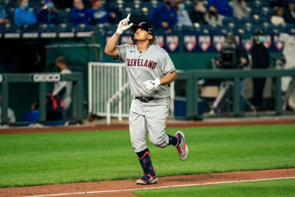 Homers in Five-Run Rally Back Tribe to Win; CLE 8, KCR 6